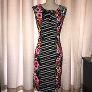 Dresses & Skirts - Geometric and floral print sleeveless dress